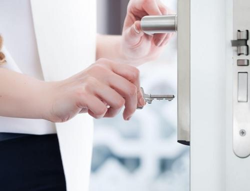 Какво да правите, ако бравата на входната или вътрешната врата е заседнала?