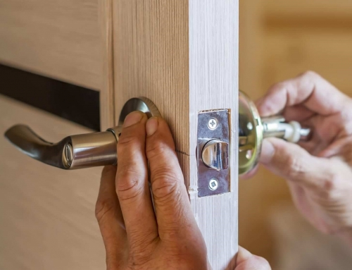 Дръжки на входните врати – характеристики и монтаж